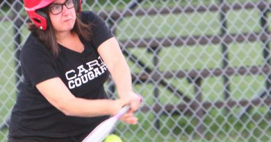 Linda McKenzie - Carp Cougars. Photo by Nevil Hunt
