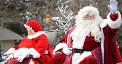 Carp celebrates its 10th Annual Santa Claus Parade on Dec. 8 at noon. Photo by Jessica Cunha
