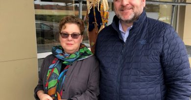 WCDR's Angela Bernhardt and Ottawa Food Bank CEO Michael Maidment . Photo courtest Ottawa Food Bank