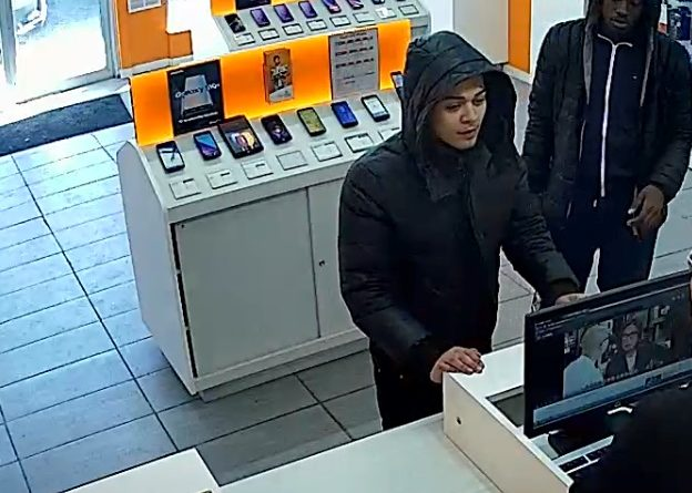 These two suspects are wanted in an alleged Bank Street robbery. Courtesy OPS