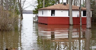 West Carleton was hit hard by flooding in 2017 as this photo taken in Willola Beach shows. The ORRPB says flood-prone areas are at risk this weekend. Photo by Jake Davies