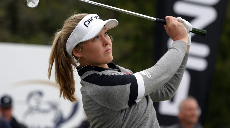 Canadian golf superstar Brooke Henderson shows off her swing during a clinic at Eagle Creek Golf Cllub yesterday. Photo by Jake Davies