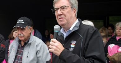 Mayor Jim Watson and Coun. Eli El-Chantiry (left) spoke with West Carleton Online about West Carleton's election priorities at a Constance Bay fundraiser last Sunday. Photo by Jake Davies