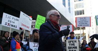 Constance Bay's Gerry Blyth speaks at last Saturday's Stop the Flooding rally in Ottawa. Photo by Jake Davies