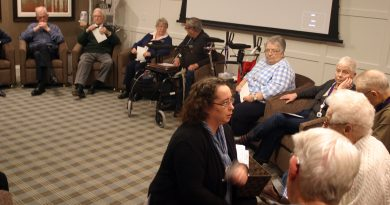 WOCRC rural outreach worker Amanda Labbe speaks with Carp Commons residents last November. Photo by Jake Davies