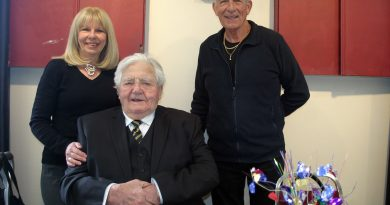 Dr. Roly Armitage poses with his daughter Ann and son Mick at his 95th birthday party at Branch 616 Sunday afternoon. Photo by Jake Davies