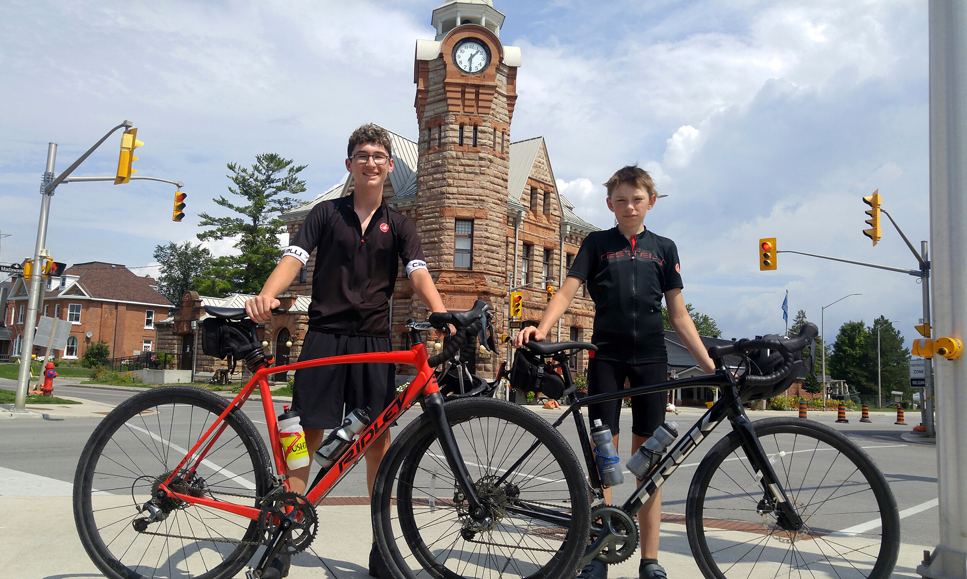 Two Carp teens pedal for cancer cure