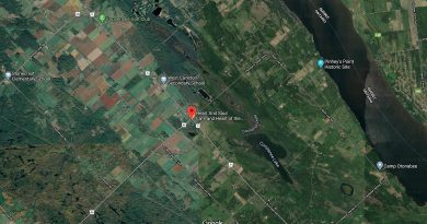 Dunrobin offers many options for homeowerns and cracked Ottawa's Top Five Real Estate Markets during a hot, literally and figuratively, July. Courtesy Google Maps