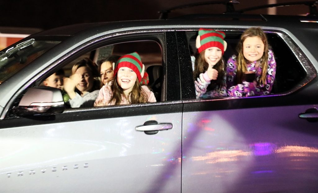 The McClymonts and Bennetts packed in to one car to enjoy the parade.