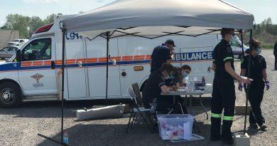 Renfrew County paramedics operate a mobile COVID-19 testing centre.