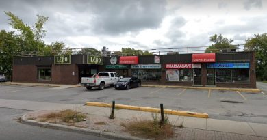 A photo of the Carp pharmacy.