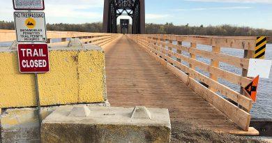 A photo of the snowmobile bridge.