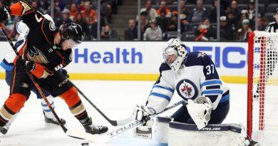 A photo of Mason McTavish scoring his first NHL goal.